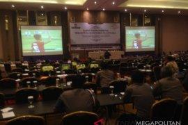 Rapat pleno KPU Karawang diwarnai nobar piala AFF