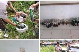 Polisi temukan botol berisi bensin diduga bom molotov