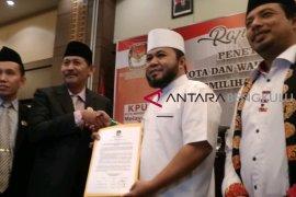 KPU tetapkan Helmi-Dedy Wali Kota terpilih