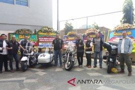 Pengendara sepeda motor Harley Davidson melepas Sekda Kota Bekasi