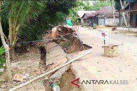 Video - Amblasan tanah Desa Tarangan belum mendapat penanganan serius