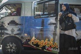 Keberadaan angkot Angklung Bandung
