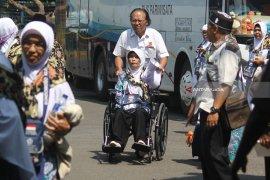 PPIH Surabaya Batasi Mobil Penjemput di Asrama
