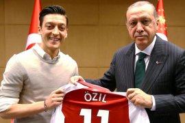 Ozil keluarkan 80.000 poundsterling untuk kaum muslim Turki selama Ramadhan