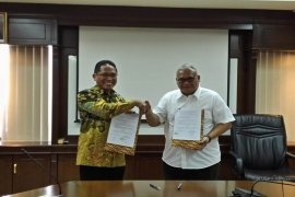 Alfamart, Ministry Cooperate to Improve Workers' Competence