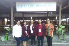 Mahasiswa ISI Denpasar lolos debat bahasa inggris