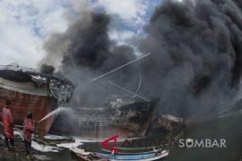Puluhan kapal terbakar di Benoa Bali