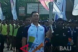 Asian Games Torch Relay Parade leaves Tampaksiring Palace