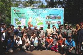 TNBB lepasliarkan sepuluh ekor Jalak Bali