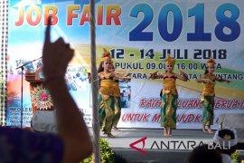 "Disnaker Denpasar gelar ""Job Fair"" rekrutmen 3.069 pekerja"