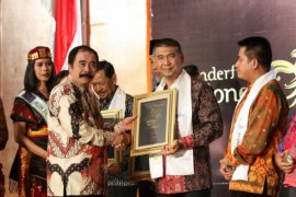 "Wali Kota Jambi peroleh ""Wonderful Indonesia Tourism Award 2018"""