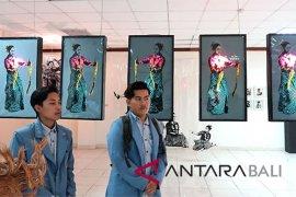24 mahasiwa Undiksha adakan pameran seni rupa