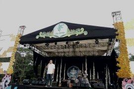 Bandrek Susu, bandnya Rektor IPB manggung di penutupan MPKMB 2018