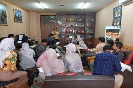 DKHA IPB gandeng mahasiswa bidikmisi untuk tracer study alumni IPB