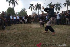 Kirab Obor Asian Games disambut silat Melayu