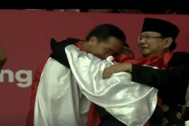 Raih emas, Hanifan peluk Jokowi-Prabowo bersamaan