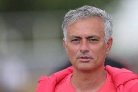 Mourinho harapkan pemain Piala Dunia tampil laga perdana Liga Inggris
