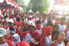 BUMN Hadir - Ribuan warga Banjarmasin ikuti jalan sehat BUMN