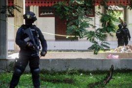 Densus 88 tangkap seorang warga di Sukawangi