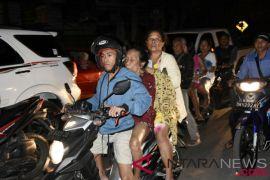 Another major quake rocks Lombok