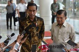 President Jokowi visits Vice President Kalla