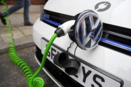 VW akan tarik 124 ribu mobil listrik dan hibrida