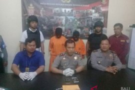 Komplotan pencuri modus sebagai pembeli ditangkap polisi