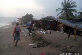 Pemkab Sukabumi benahi bangunan liar di pesisir