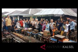 Video - 39 warga Batang Alai serahkan sukarela alat setrum ikan