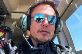 Bos Tesla Bikin Sensasi, Isap Ganja Saat Diwawancara