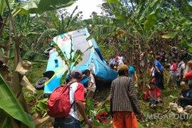 Lagi, bus pariwisata terjun ke jurang di Sukabumi