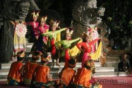 Pelajar Denpasar ajak jangan gengsi cintai Joged
