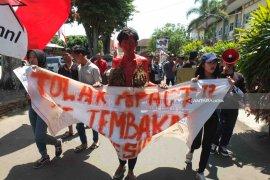 GMNI dan Petani Jember Tolak Konferensi Pengendalian Tembakau di Bali (Video)
