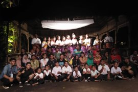Desa Barikin HST Desanya  Para Seniman