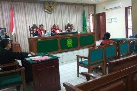 Pengacara desak hadirkan pramugari dalam persidangan candaan bom