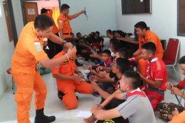 Basarnas Nias edukasi pelajat teknik dasar SAR