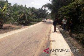 Dinas PUPR Balangan Tingkatkan Jalan Lampihong - Pulau Ku'u