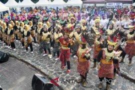 Lomba senam Maumere di Kampus IPB Bogor