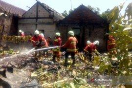 Damkar Bojonegoro Tidak Kenakan Biaya Pemadaman