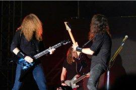 Gitar bertanda tangan Megadeth dilelang untuk bantu tangani COVID-19