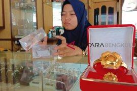 Pedagang emas di Bengkulu keluhkan sepinya pembeli