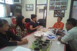 Direktur informasi TETO kunjungi LKBN Antara Bali (juga, tim Akseleran)