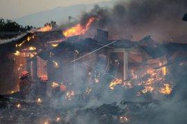 Pasar Induk Gede Bage terbakar