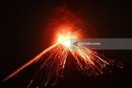 PVMBG: Gunung Anak Krakatau Gempa Tremor Menerus