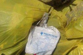 Tumpukan limbah medis ditemukan di kawasan Mangrove