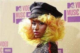 Nicki Minaj hamil anak pertama