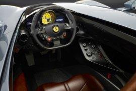 Ferrari luncurkan supercar satu penumpang Monza SP1
