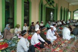 """""""Nganggung bersama"""" tandai perayaan Tahun Baru Islam"""