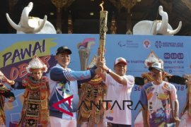 Social Minister, Bali Governor open Asian Para Games relay