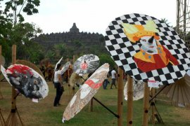 Festival Payung Indonesia 2018 Page 1 Small
